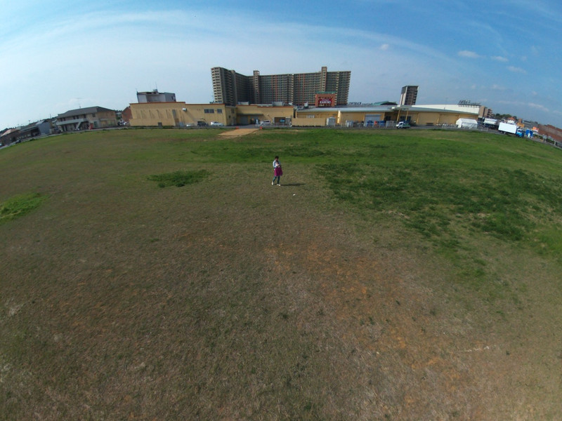 th_Bebop_Drone_2015-04-29T084935+0000_.jpg